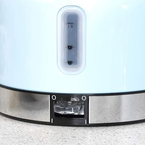 Russell Hobbs 23906 Oslo Kettle's handle and power switch.