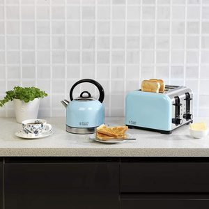 Russell Hobbs 23906 Oslo Kettle with a matching toaster.